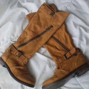 Tall brown boot